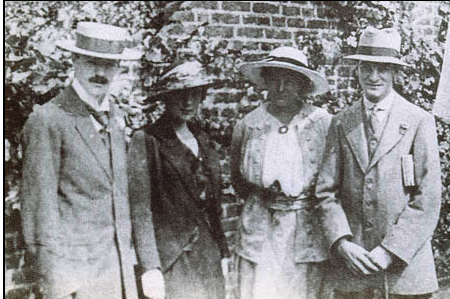 bliss essay katherine mansfield Bliss – a short story by katherine mansfield this short story revolves around a dinner party given by bertha young and her husband harry it shows bertha as a happy girl, but quite naive about the world and the people closest to her the story gives us a bird's eye view of the dinner party, which is attended.